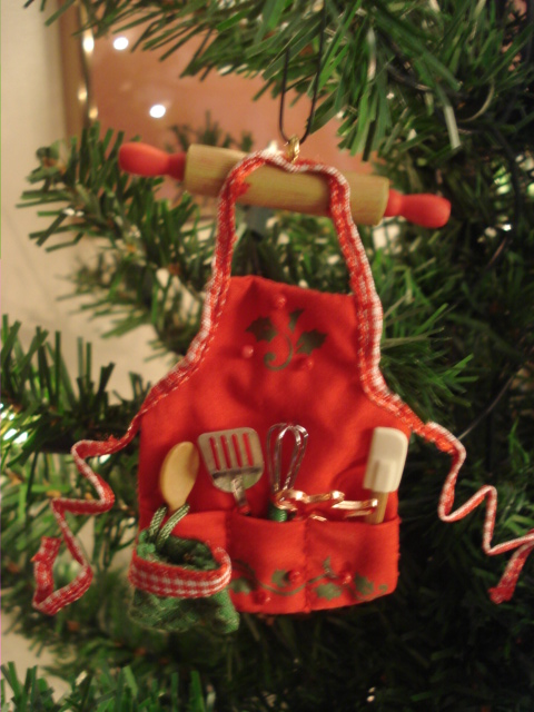 xmas-apron-ornament