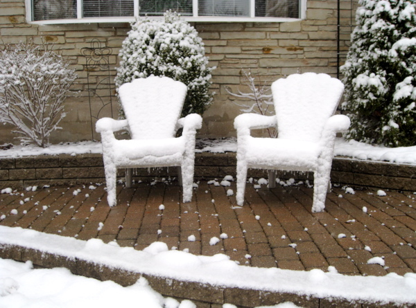 snow-on-lawn-chairs